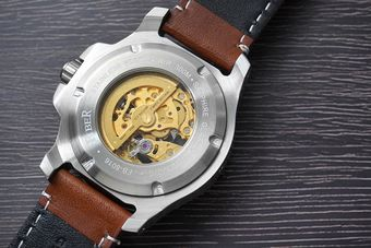 Fiber海洋潛將機械錶零件結構示意圖