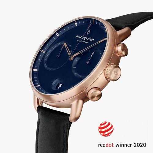 手錶推薦: Nordgreen Pioneer,一支玫瑰金錶殼、黑色皮革錶帶與藍色錶盤的手錶