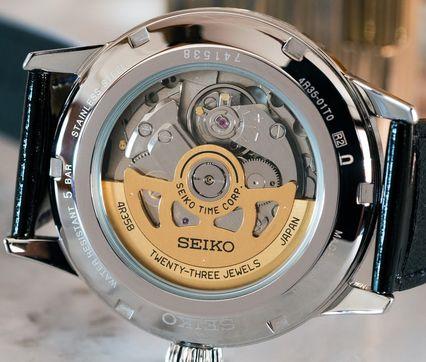 等級中偏低的Seiko 4R35機芯