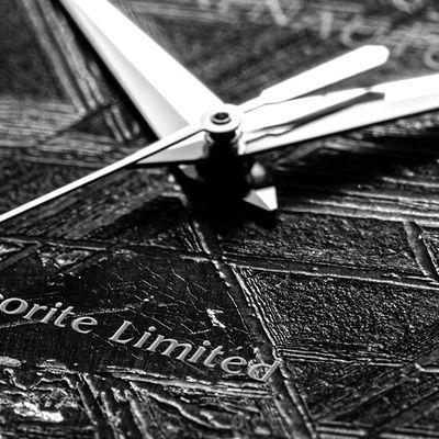 Renautus的隕石錶盤系列腕錶