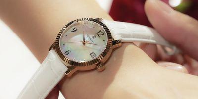 Renautus Classic Quartz 34 珍珠殼錶盤