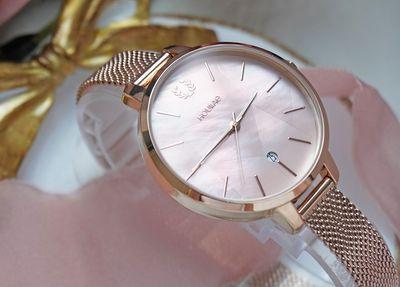 台灣手錶品牌推薦之一的Hourrae荷萊的貝殼拼貼粉錶款